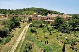 Weiterlesen: Weihe der neuen Hauptkirche des Klosters Maria Schutz in Solan, Frankreich
