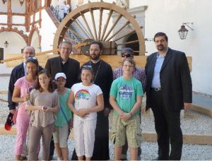 Weiterlesen: Metropolit Arsenios besuchte Byzanz-Ausstellung auf der Schallaburg