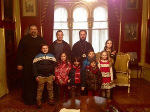 Weiterlesen: Nächstenliebe und Weihnachtsfreude: Kinder und Jugendliche besuchen Metropolit Arsenios