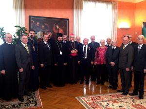 Weiterlesen: Päpstliche Auszeichnung für Professor Larentzakis